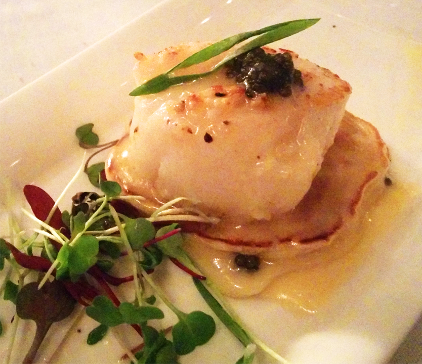 Diver scallop with caviar, champagne beurre blanc